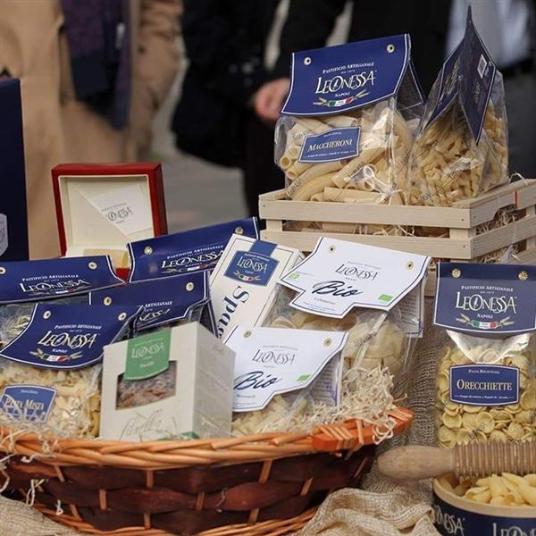 la settimana inizia bene con #PastaLeonessa! #pasta #leonessa #food #napoli #naples #pastificio #artigianale #pastafresca #sapienzanapoletana  www.pastaleonessa.it