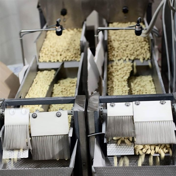 un salto in produzione: eccoli, sono i #Cavatelli Leonessa, quasi pronti per la lenta essiccazione... #PastaLeonessa #pasta #leonessa #food #napoli #naples #pastificio #artigianale #pastafresca #sapienzanapoletana  www.pastaleonessa.it