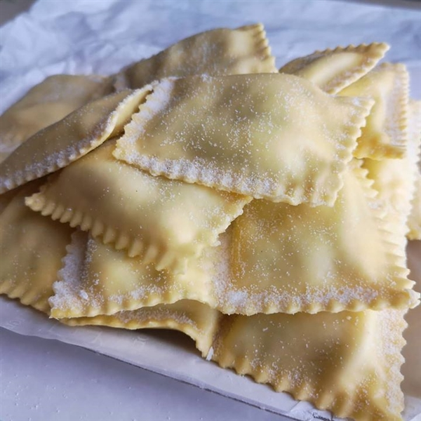 #Ravioli Leonessa ripieni con #spinaci e #ricotta, pronti per una #ricetta gustosa...  #PastaLeonessa #pasta #leonessa #food #napoli #naples #pastificio #artigianale #pastafresca #sapienzanapoletana  www.pastaleonessa.it