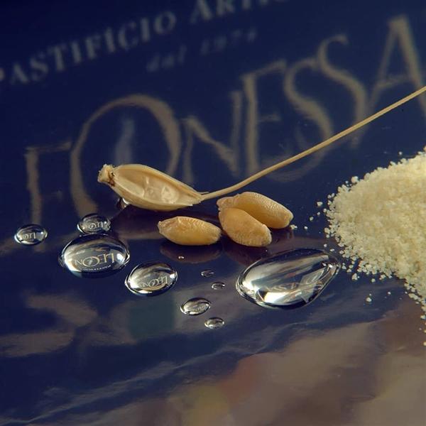 acqua pura, grano coltivato con metodo Nobile solo in Campania e tanta #sapienzanapoletana... è solo la linea #Fiordigrano di #PastaLeonessa #pasta #Leonessa #food #napoli #naples #pastificio #artigianale #pastafresca #metodoNobile #granonobile