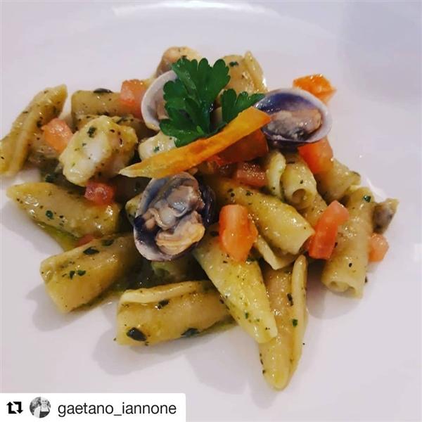 #Maruzze Leonessa con menta, zucchine, rana pescatrice e pomodoro San Marzano #Repost chef @gaetano_iannone  @oleandriresort