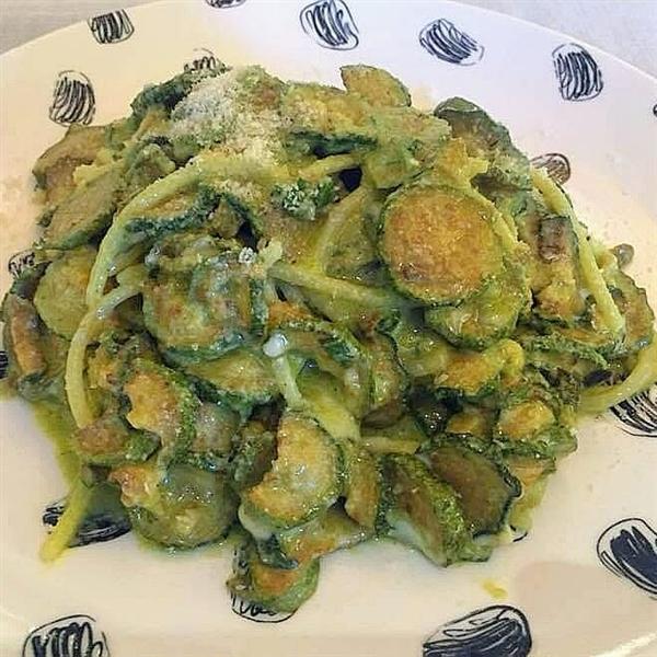Spaghetti alla Nerano firmati dallo chef Paolo De Gregorio dell