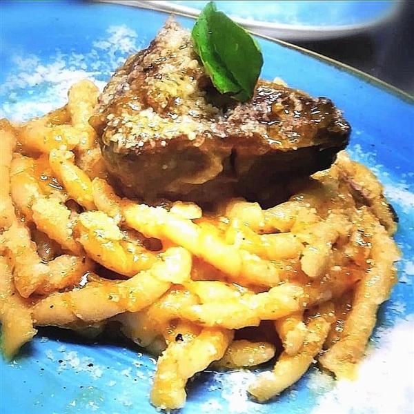 la tradizione e le sue ricette: ecco la #genovese preparata con i Fusilli Leonessa da Enoteca & Gastronomia Il Protontino