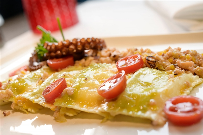 Pastafresca Leonessa e una ricetta unica: ecco i Quadrotti al limone Leonessa con bolognese di polipo dello chef Alfonso Porpora, Pastabar Leonessa