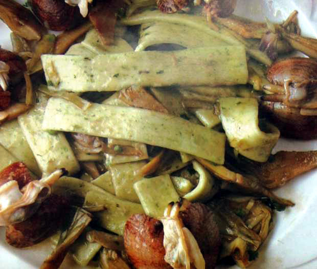Scialatielli with artichokes and clams