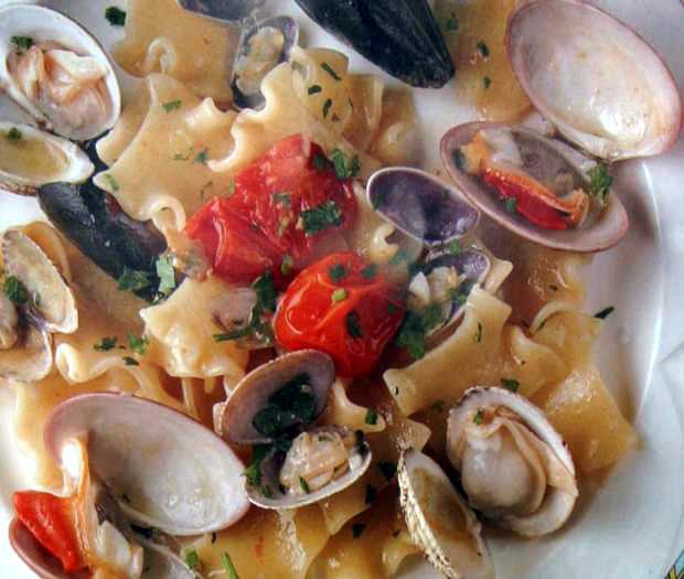 Mafaldelle with fresh sea food