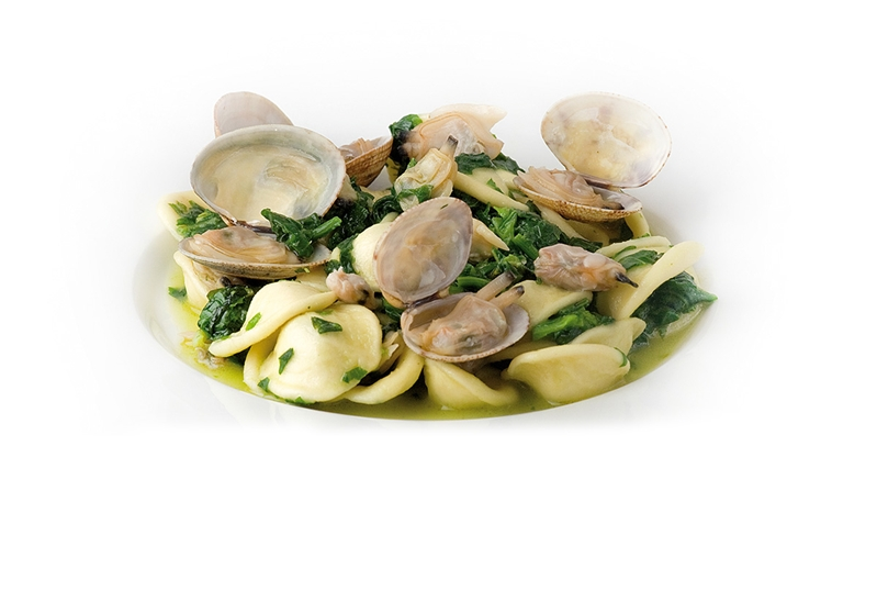 Orecchiette Pasta with Clams and broccoli (also know as Friarielli)