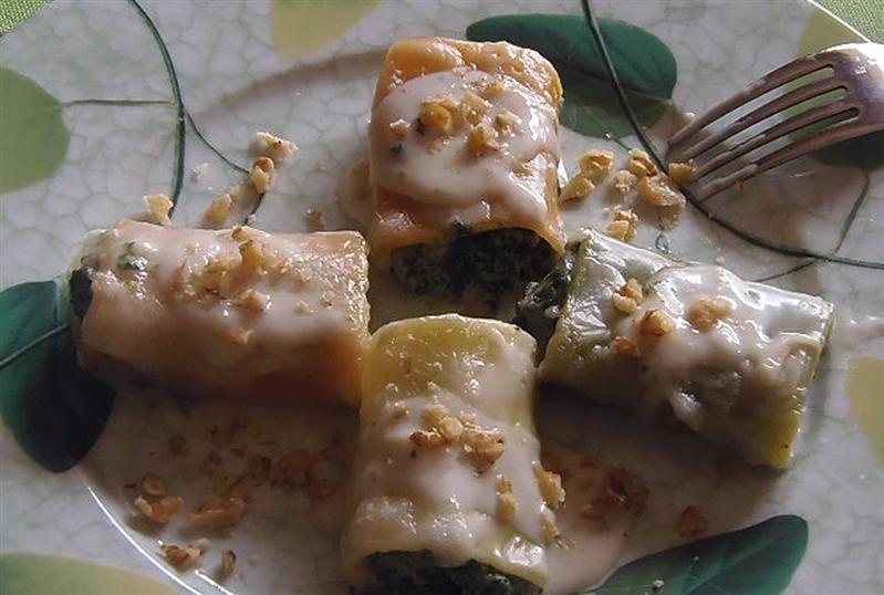 Paccheri 4 stagioni ripieni di spinaci e mozzarella di bufala