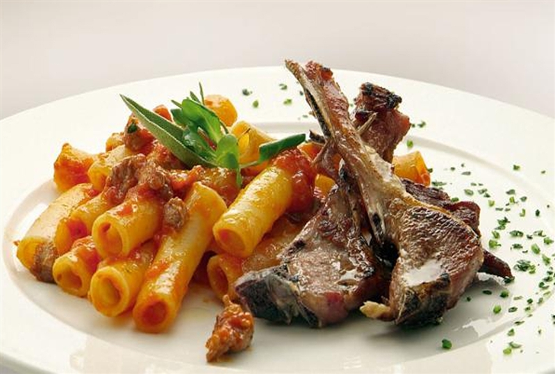Maccheroni with lamb ragù