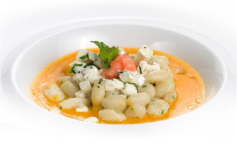 Chicchette pasta made of PotatoeswithPumpkin Creamand Mozzarella