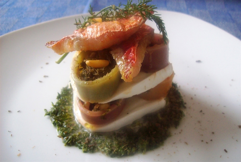 Mediterranean millefeuille of calamarata and mozzarella with red mullet and fennel sauce