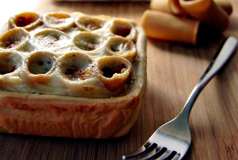 Rigatoni in crust with topinambur and buffalo mozzarella