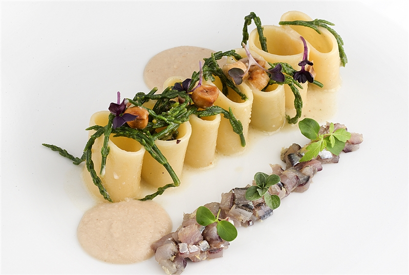 Pasta with beaten anchovies from Cetara, marinated with Amalfi lemons, sea asparagus and hazelnut milk from Gioffni