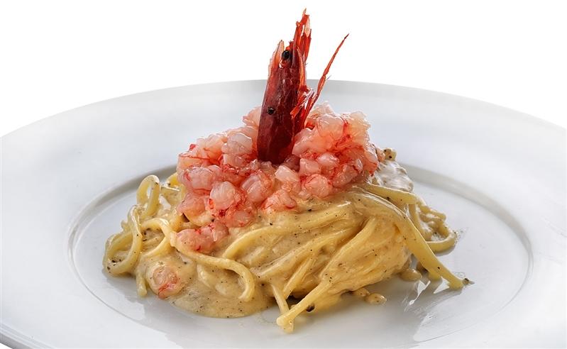 Spaghettoni Cacio e Pepe con Tartare di Gamberi