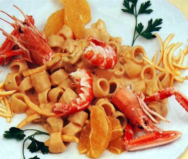 Ditaloni con scampi all